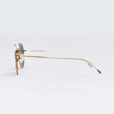 サングラス選びの3条件|《MEDIUM/レンズ幅51mm》風船で浮くほど軽い、フィット感抜群、踏んでも元に戻るβチタンフレームのサングラス|RAWROW R SUN 300|MEDIUM(GOLD)