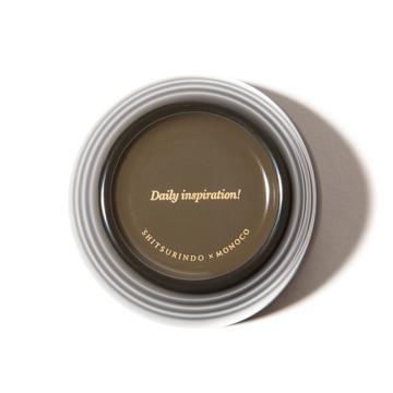 惣菜が「映える法則」を発見!|《単品/MONOCO限定》誰でもきれいに盛り付けができる、漆のあたたかい色彩。225年続く越前漆器の老舗がつくる「色漆のそば猪口」| 漆琳堂×MONOCO|黒鼠(くろねず)