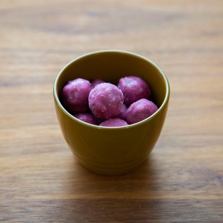 惣菜が「映える法則」を発見!|《ペアセット/MONOCO限定》誰でもきれいに盛り付けができる、漆のあたたかい色彩。225年続く越前漆器の老舗がつくる「色漆のそば猪口」| 漆琳堂×MONOCO|黄朽葉×浅葱(きくちば×あさぎ)