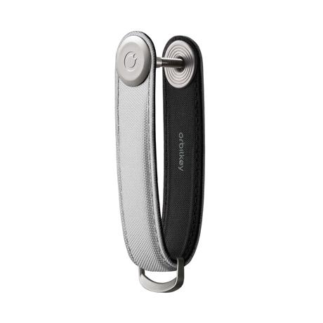 『鍵収納』をデザインする|《ナイロン》もうドア前で迷わない。「鍵収納」を追求したスリムなキーケース|Orbitkey|Granite Grey