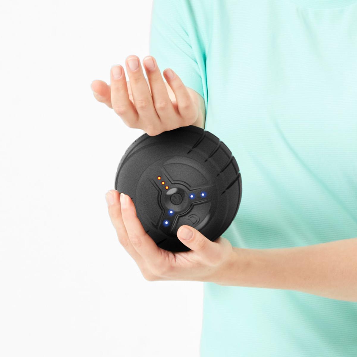 身体中をほぐしながら転がる「ブルブル丸」|毎分4,000回の振動で、筋肉を奥深くから揺さぶるストレッチボール|3Dコンディショニングボール