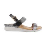 スニーカー感覚で歩き回れる「サンダル」|LUCIA / UK3(22-22.5cm) 独自開発の立体インソールで、スニーカーみたいに歩き回れる「サンダル」|strive|ブラックグラマー