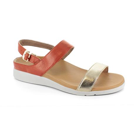 スニーカー感覚で歩き回れる「サンダル」|LUCIA / UK3(22-22.5cm) 独自開発の立体インソールで、スニーカーみたいに歩き回れる「サンダル」|strive|サンセットライトゴールド