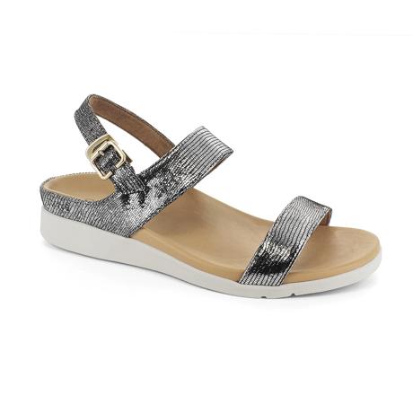 スニーカー感覚で歩き回れる「サンダル」|LUCIA /UK4(23-23.5cm) 独自開発の立体インソールで、スニーカーみたいに歩き回れる「サンダル」|strive|ブラックグラマー