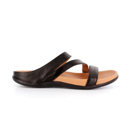 スニーカー感覚で歩き回れる「サンダル」|TRIO  /UK4(23-23.5cm) 独自開発の立体インソールで、スニーカーみたいに歩き回れる「サンダル」|strive|ブラック