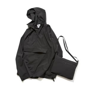 日中はサコッシュ、肌寒い朝晩はアウターに!水滴が滑り落ちる高撥水素材の「バッグ一体型パーカー」| SANYO ENJIN