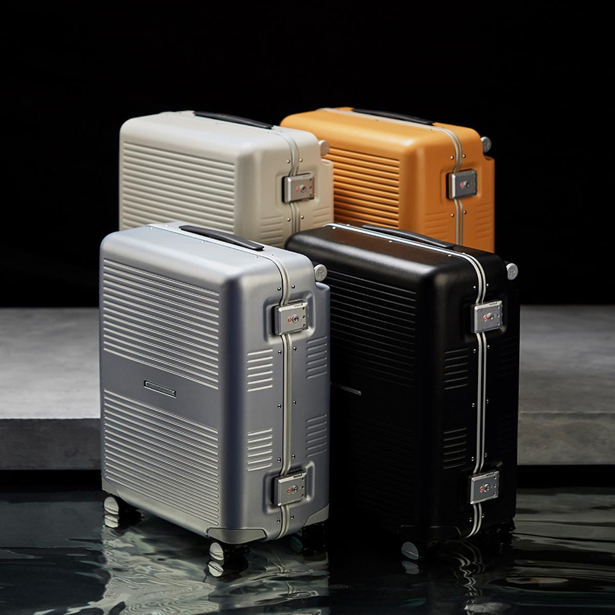 """一緒に""""歩きたい""""スーツケース 《Type B/37L》手を添えるだけで滑らかに走行、""""気の利く""""設計であなたの旅路に寄り添うスーツケース(1〜2泊・機内持ち込みサイズ) RAWROW"""