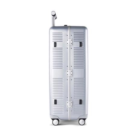 """一緒に""""歩きたい""""スーツケース 《Type B/88L》手を添えるだけで滑らかに走行、""""気の利く""""設計であなたの旅路に寄り添うスーツケース(7泊〜) RAWROW シルバー(在庫限り)"""