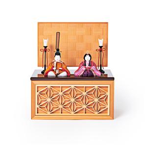 《四角形/小》5つの日本伝統工芸をコンパクトにした、リビングに飾れる「プレミアム雛人形」※第二期受注分 | 宝想雛