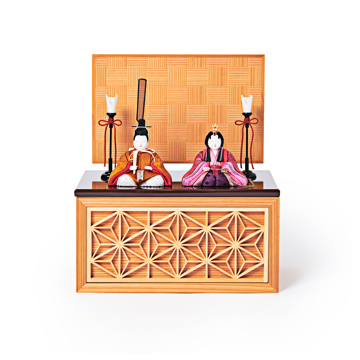 『毎年のしあわせ』が御嬢様と家族に訪れる|《四角形/小》5つの日本伝統工芸をコンパクトにした、リビングに飾れる「プレミアム雛人形」※第一期受注分 | 宝想雛|