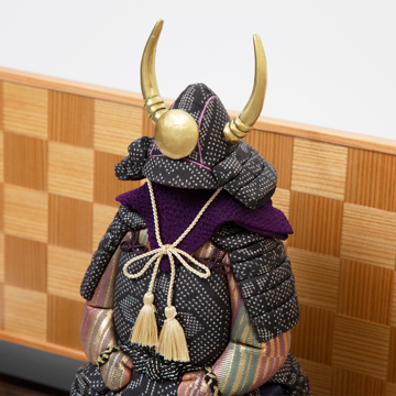 毎年の幸せを願う「五月人形」|《四角形・大》6つの日本伝統工芸をコンパクトにした、木目込の「プレミアム鎧飾り」| 宝輝|