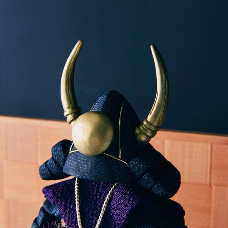 毎年のしあわせを願う「五月人形」|【2021年春販売分は終了しました】《四角形/中》5つの日本伝統工芸をコンパクトにした、木目込の「プレミアム鎧飾り」※第四期受注分 | 宝輝