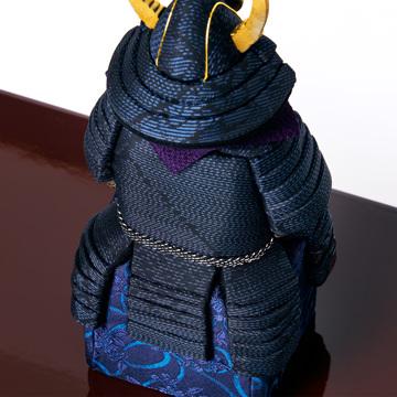 毎年のしあわせを願う「五月人形」|《四角形/中》5つの日本伝統工芸をコンパクトにした、木目込の「プレミアム鎧飾り」※第四期受注分 | 宝輝