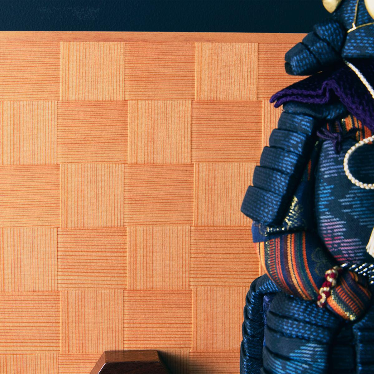 毎年のしあわせを願う「五月人形」|《四角形/中》5つの日本伝統工芸をコンパクトにした、木目込の「プレミアム鎧飾り」※第二期受注分 | 宝輝