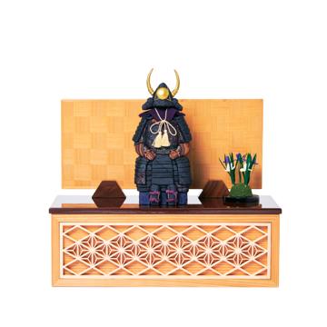 毎年のしあわせを願う「リビング五月人形」|《四角形/中》5つの日本伝統工芸をコンパクトモダンにした、江戸木目込の「プレミアム鎧飾り」※第一期受注分|柿沼人形|宝輝