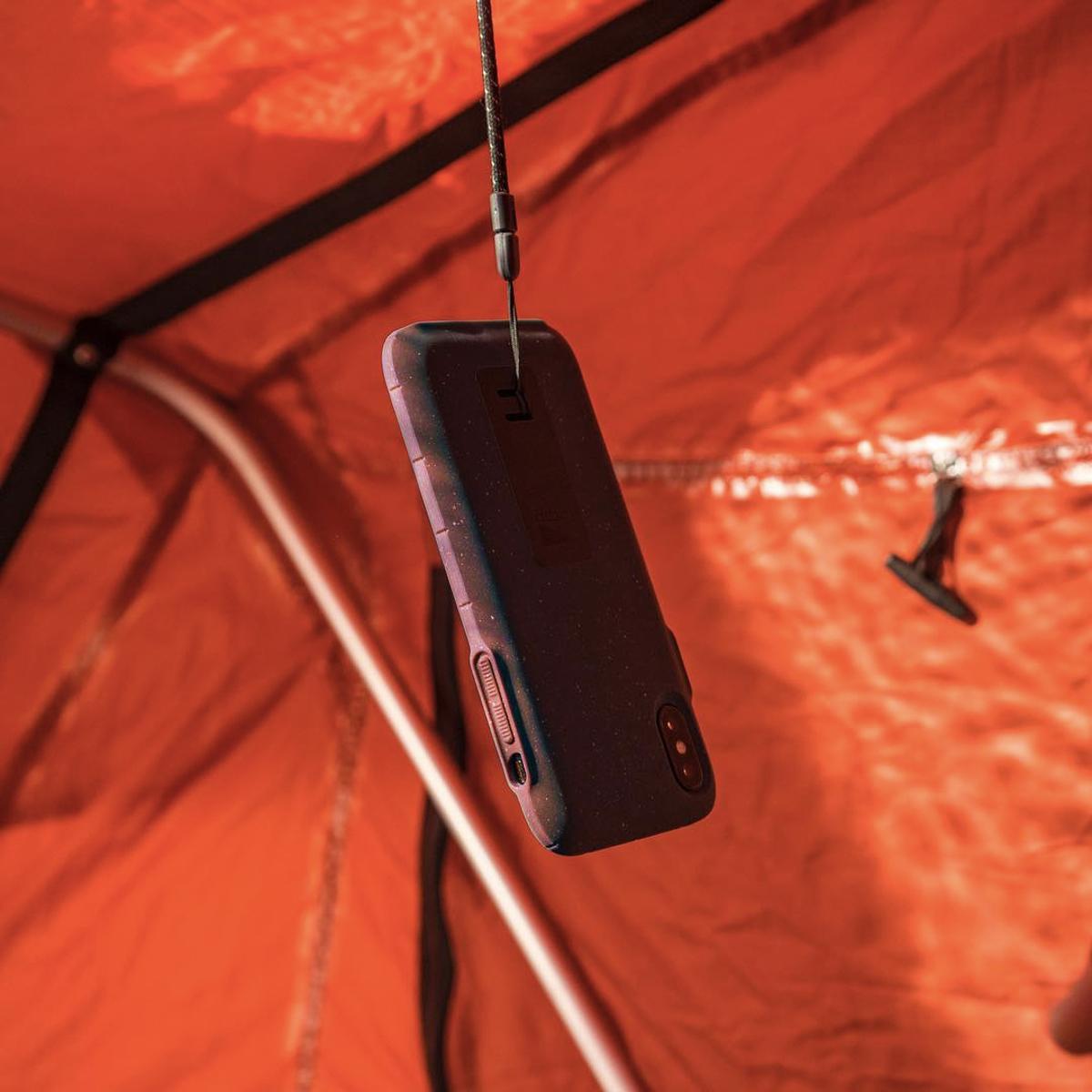 """iPhoneに着せたい""""断熱アウター"""" 《iPhone 11/iPhone 11 Pro》気温によるバッテリー消耗を防ぎ、耐衝撃性に優れたスマホケース LANDER MOAB CASE"""