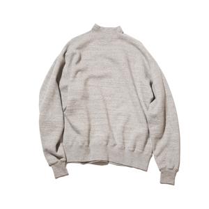 《GRAY/フットボールシャツ》肩まわり軽やかな独自のディテール、スポルディング社の名作から再構築された裏起毛スウェット|A.G. Spalding & Bros