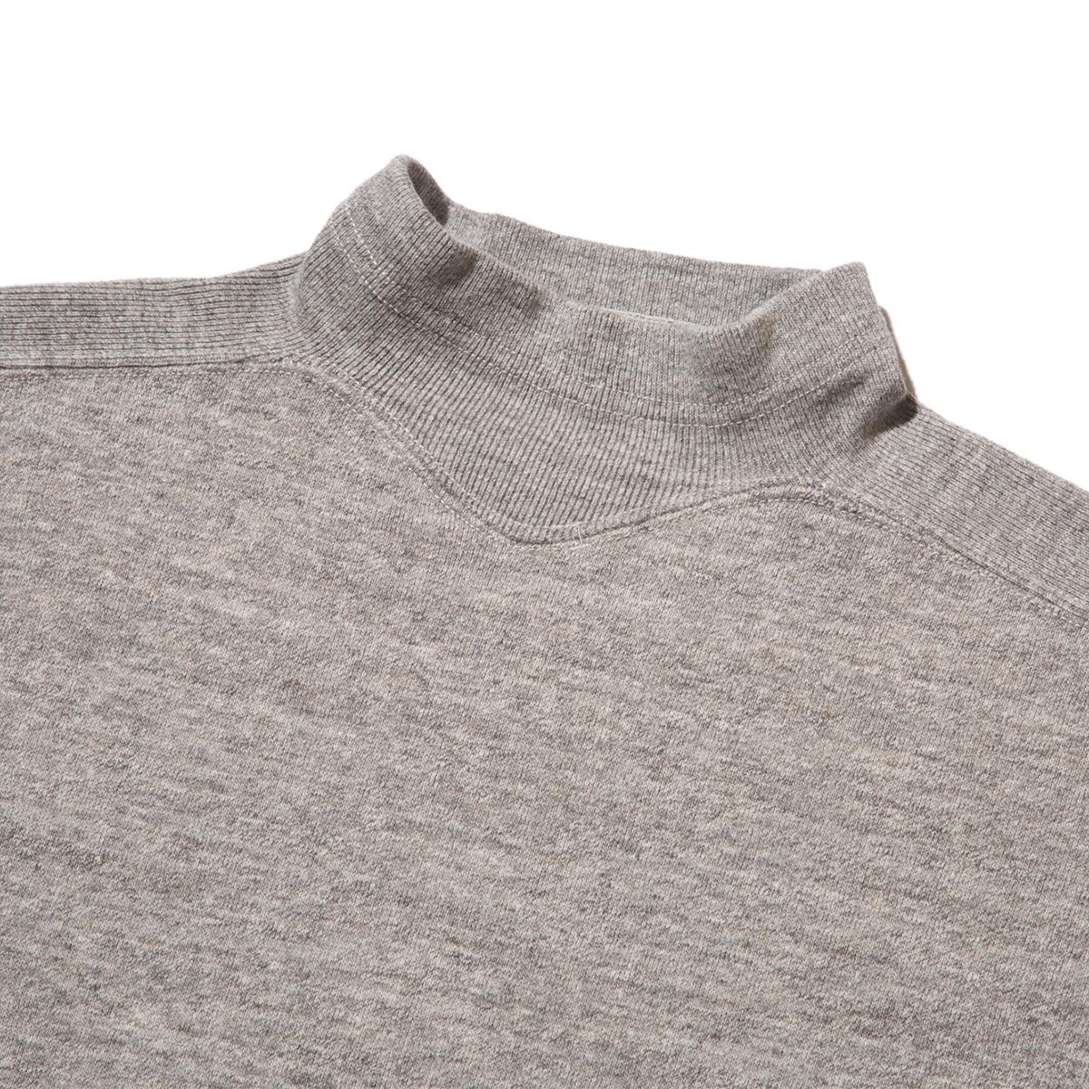 100年前のスウェット、復刻|《GRAY/フットボールシャツ》肩まわり軽やかな独自のディテール、スポルディング社の名作から再構築されたスウェット|A.G. Spalding & Bros