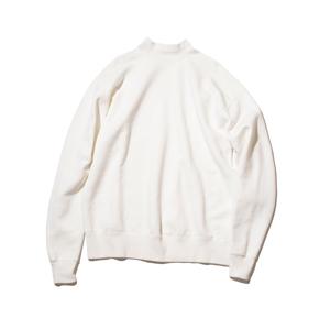 《WHITE/フットボールシャツ》肩まわり軽やかな独自のディテール、スポルディング社の名作から再構築された裏起毛スウェット|A.G. Spalding & Bros