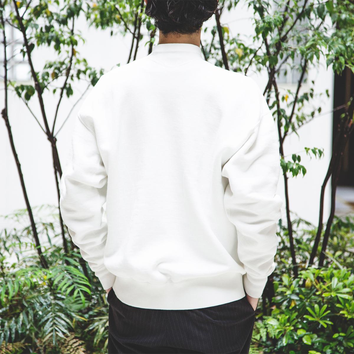 100年前のスウェット、復刻|《WHITE/フットボールシャツ》肩まわり軽やかな独自のディテール、スポルディング社の名作から再構築されたスウェット|A.G. Spalding & Bros