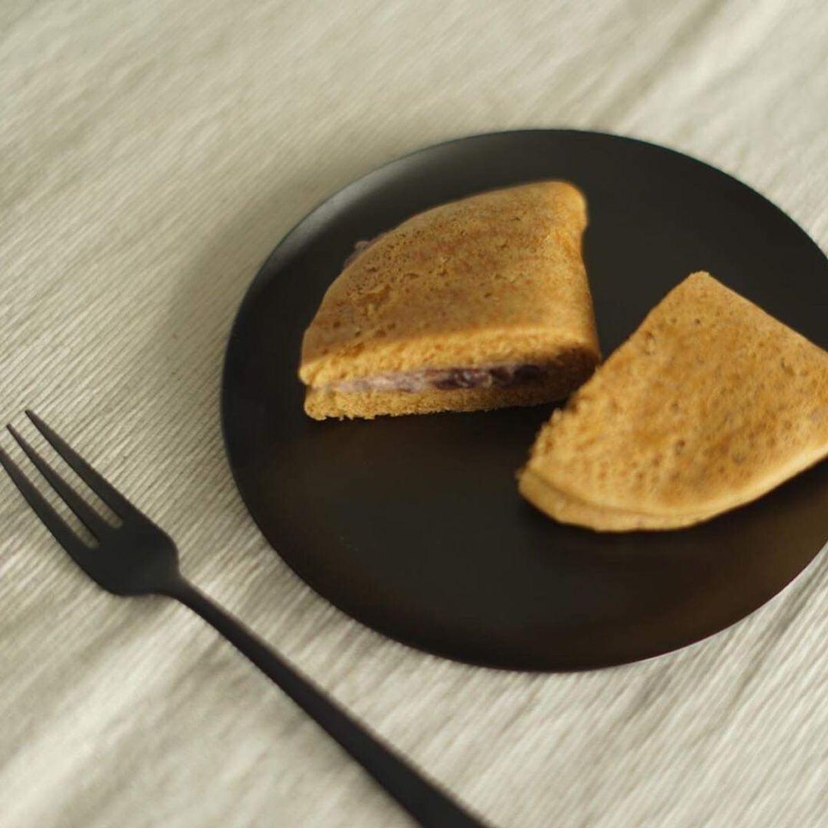 """""""おいしい""""は、「黒」が引き出す 《小皿/菓子皿や料理の取り分けに》落としても割れない、黒染めステンレスの器(直径126mm) 96"""