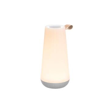 《UMA MINI》360度に広がる、忠実な「音」と優しい「光」。片手で持ち運べるコンパクトサイズで、いつでもどこでも空間を温かく演出するワイヤレススピーカー | Pablo