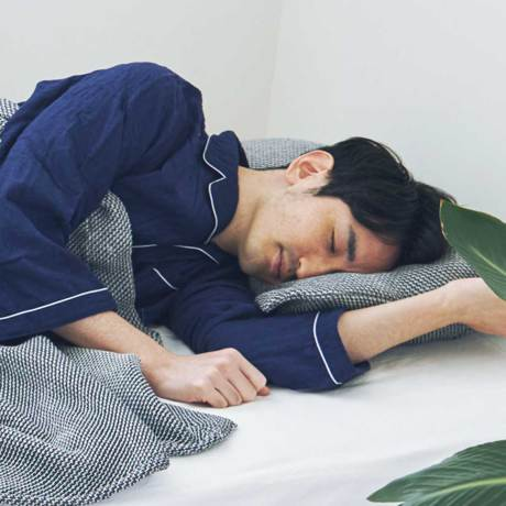 「熟睡」を追求したタオルケット|《ピローケース》凹凸状のハニカム織りが、汗と湿気を逃がすケット|ハニカムケット