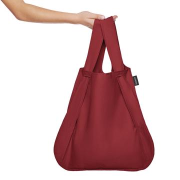 一瞬でリュックになる「変身エコバッグ」|《新色》ひっぱるだけ、リュックにもトートにもなる特許構造の「エコバッグ」|notabag|Wine Red