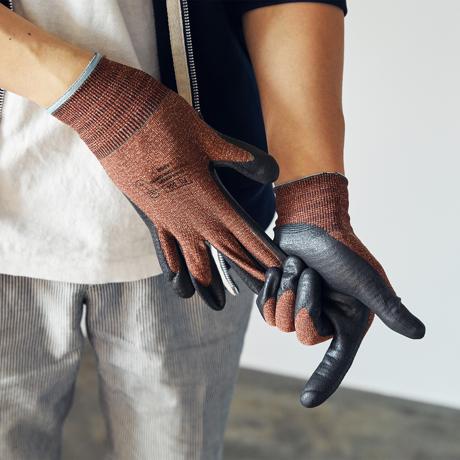 家事にDIYに「やる気手袋」|スマホにタッチOK!ネジもつまめる抜群のフィット感で、指先がスイスイ動く「作業用手袋」|workers gloves