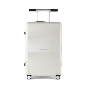 "《63L》手を添えるだけで滑らかに走行、""気の利く""設計であなたの旅路に寄り添うスーツケース(4〜5泊)|RAWROW"