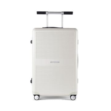 "《Type B/ポケットカバー付き/63L》手を添えるだけで滑らかに走行、""気の利く""設計であなたの旅路に寄り添うスーツケース(4〜5泊)|RAWROW"