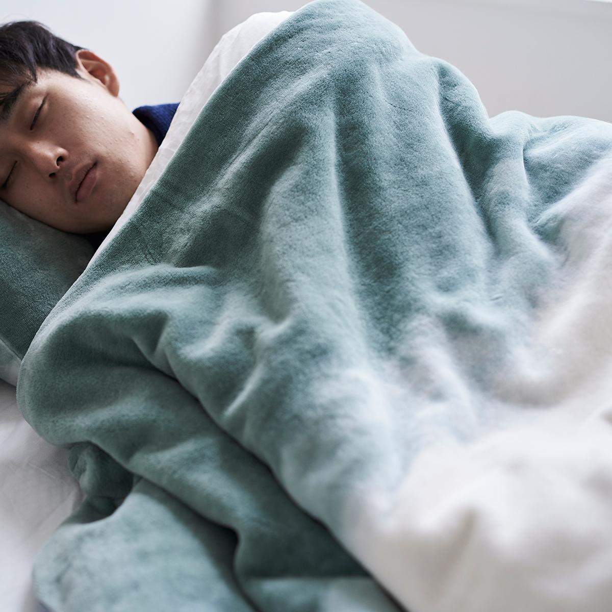 「タイトルのある毛布」が、空間を変える 《シングル毛布》夏も冬も、気持ちいい!綿毛布の自然な柔らかさ FLOOD OF LIGHT(LOOM&SPOOL)