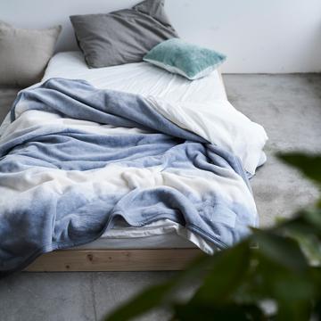 「タイトルのある毛布」が、空間を変える|《シングル毛布》夏も冬も、気持ちいい!綿毛布の自然な柔らかさ|FLOOD OF LIGHT(LOOM&SPOOL)