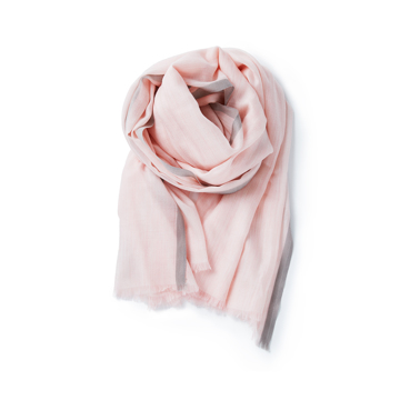 「今日の私、イキイキしてる!」極細カシミヤの効用|大人のパステルカラーと光沢感で、顔色が明るく見える「カシミヤストール」|nagi|pink