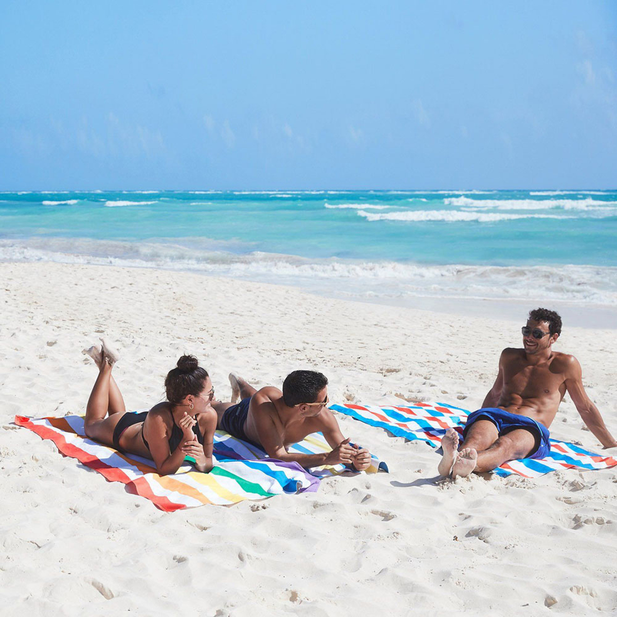 世界のビーチから生まれた「バカンスタオル」|《2020新色/ビーチタオル》水をサッと吸収、砂がつかないマイクロファイバー製のカラフルタオル|DOCK & BAY SUMMER LARGE