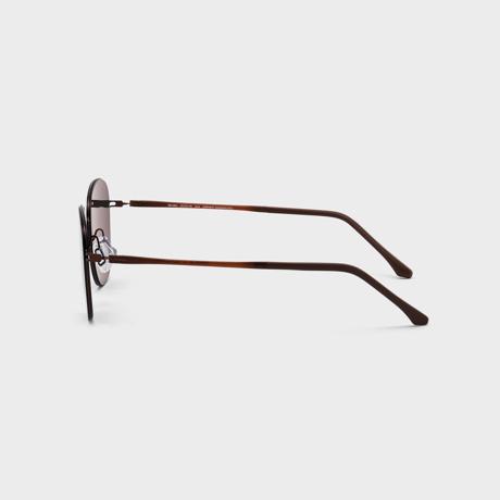 あれ?このサングラス、真下を向いてもズレない!|《スクエア》新感覚の'ふわっ・ピタッ・ぐにゃ'! 工具を使わず、自分で調整できる「サングラス」|RAWROW - R SUN ULTRA THIN 800|BROWN×GREEN