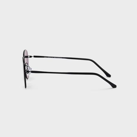 あれ?このサングラス、真下を向いてもズレない!|《スクエア》新感覚の'ふわっ・ピタッ・ぐにゃ'! 工具を使わず、自分で調整できる「サングラス」|RAWROW - R SUN ULTRA THIN 800|BLACK×BLACK