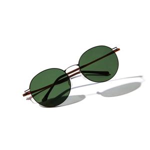 《ラウンド》新感覚の'ふわっ・ピタッ・ぐにゃ'! 工具を使わず、自分で調整できる「サングラス」|RAWROW - R SUN ULTRA THIN 810
