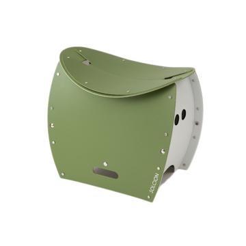 まだ進化するの!? 薄さ4cmのどこでもイス|《PATATTO 350+(座面高さ35cm)》座面を外せば、ゴミ箱・防災トイレが出現する「折りたたみイス」|PATATTO|オリーブ×ホワイト