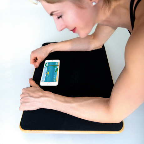 「30日ゲームチャレンジ」で、ぽっこりお腹に変化が! これは楽しい!30秒から始められる、新感覚の「ホームフィットネスボード」 Plankpad