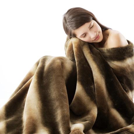 寝心地がまるで違う「毛布」 《掛毛布/シングル》暖かさはもう当たり前、軽さとなめらかさも実現した「毛布」 CALDONIDO NOTTEⅡ