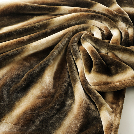 寝心地がまるで違う「毛布」|《敷毛布/ダブル》暖かさはもう当たり前、軽さとなめらかさも実現した「毛布」|CALDONIDO NOTTEⅡ