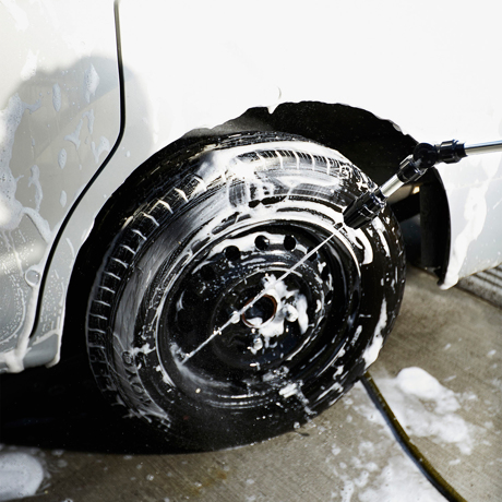 いま、最高にアガる「掃除」!|電気なしでジェット水流が出る!洗車や家の外壁、ベランダの水洗いに便利な「ロングノズル」|GORDON MILLER 高圧ジェットロングノズル