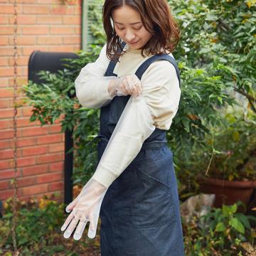 いま、最高にアガる「掃除」!|《30枚入り》なんと60cmのロング丈!袖を濡らさないから水仕事に重宝、使い切りの「ポリエチレン手袋」|GORDON MILLERロンググローブ クリア