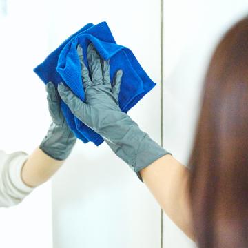いま、最高にアガる「掃除」!|《50枚入り》床の水拭きや食器洗いに。水仕事に重宝する、使い切りの「合成ゴム手袋」|GORDON MILLERタクティカル ニトリルグローブ