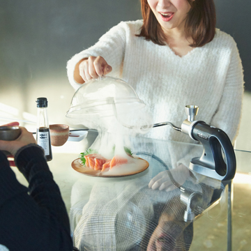 さぁ、今夜も食卓で「I・BU・SHI マジック」!|《オプション/ドーム単品》お皿の上でスモークをしっかり閉じ込める「燻製ドーム」|IBUSIST