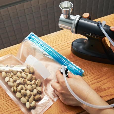 さぁ、今夜も食卓で「I・BU・SHI マジック」!|《オプション/食品圧縮袋》肉・魚・野菜の鮮度キープ、IBUSISTを使った真空保存用の「圧縮袋(10枚入り)」|IBUSIST