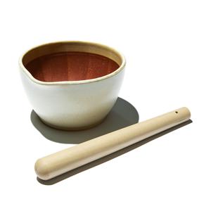 《すり鉢セット/大》鉢の中で、玉子サンドやポテトサラダが完成!そのまま器になる「石見焼のすり鉢(直径18cm)+すりこぎ棒(30cm)」|もとしげ