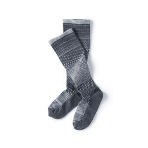 《Women'sロング丈(21.5〜24cm)》座りっぱ族の足を、履くだけでモミモミする、着圧ソックス|Sockwell