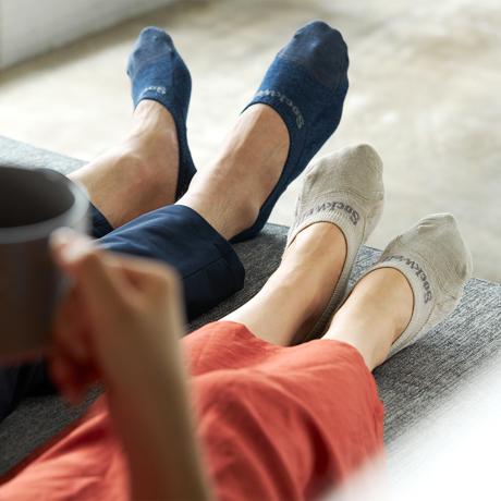 """""""座りっぱ族""""には、履くだけモミモミ 《Men'sフットカバー(24.5〜28cm)》脱げにくく、ムレ知らずのフットカバー Sockwell"""